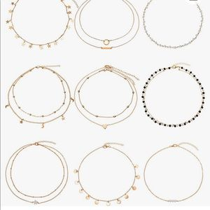 Set of 7 random choker necklaces 🤩